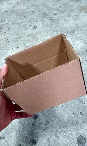Caixa de Papelão Pequena