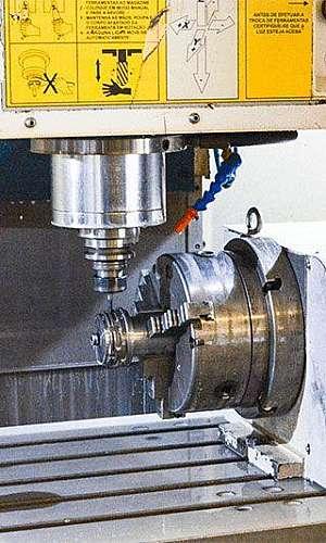 Centro de usinagem CNC preço
