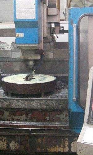Centro de usinagem CNC