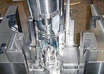 Confecção de moldes em zamac