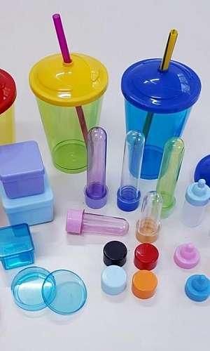 Empresas de injeção de peças plásticas