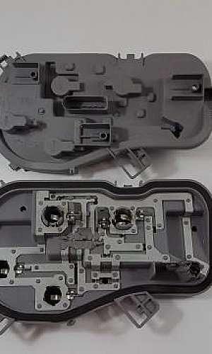 Injeção de peças plásticas automotivas