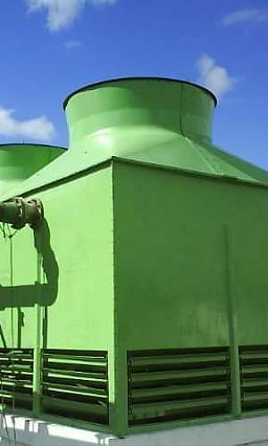 Manutenção de torre de resfriamento