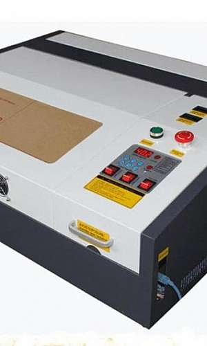 Máquina de corte a laser metal