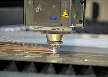 Serviço de corte em componentes mecânicos