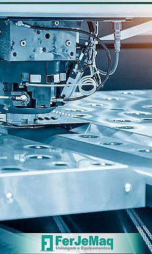 Serviços usinagem CNC