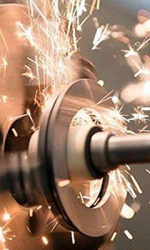 Usinagem de engrenagem industrial